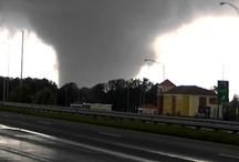 Tornadoes / Information about tornadoes and storms