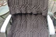 Knitting / Shawls, scarves, gloves and hats