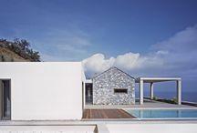 Villa Melana / Valia Foufa, Panagiotis Papassotiriou / nowoczesna STODOŁA / Ten projekt został zlecony przez rodzinę mieszkającą w Atenach