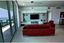 Miami Condos - 900 Biscayne Bay Tower Miami Luxury Real Estate / 5 Star Treatment comes when owning or renting here. Call Keith Hasting at 305.778.0244 and schedule viewings in 1,2 and 3 bedroom condos here. Rare split level floor plans also available.