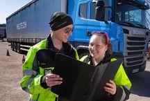 Logistiikka / Logistiikan perustutkinnosta valmistut autonkuljettajaksi,  yhdistelmäajoneuvonkuljettajaksi, linja-autonkuljettajaksi tai varastonhoitajaksi