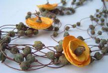Κολιε από Χάρτινα λουλούδια