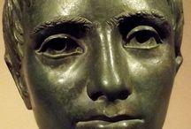 Ritratti e busti romani, etruschi, greci e persiani a Firenze / Museo archeologico e  altri luoghi