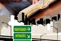 Devocionais / Devocionais são recursos que auxiliam aos adolescentes a estudarem a Bíblia.