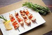 Seafood / Quick and Easy Seafood Recipes. From grilled shrimp to fish sandwiches, these seafood dinner ideas are tasty and easy enough to make on a weeknight. http://www.easycooking4all.com/category/seafood