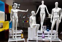 manichino bianco opaco / manichino scultoreo in vetroresina con finitura bianco opaco che si distingue per la sua plasticità