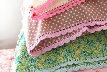 fundas de telas con tuntillas al crochet