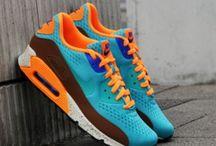 rahat ve güzel spor ayakkabılar