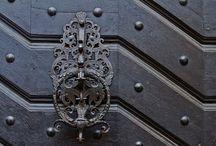Kapıların Rüyalarını Süsleyen Kapı Tokmakları