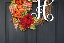 Wreaths / by Natalie Trevino