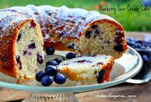 Cakes / by Anna Bashiri