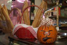 Halloween 2015 / Detalles de Halloween en los puestos del Mercado Central de Zaragoza.