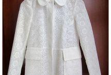 FASHION - White lace & Black / http://alliness.blogspot.com/