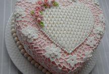 kalp şeklinde pastalar