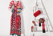 M Missoni Beachwear / risch, farbenfroh und unverkennbar M MISSONI: Das italienische Label steht für einzigartige Designs. Die diesjährige Sommerkollektion ließ sich von der fabelhaften Zirkuswelt inspirieren - die Prints wirken wie aus dem Kaleidoskop, leuchtendes Pink trifft auf Grün und wild verlaufende Streifen sorgen für optisches Aufsehen. ► http://bit.ly/KONEN-M-Missoni-Sommer16-Pin