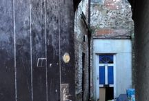 Ginnels of Yorkshire / We love ginnels, especially those that give an intriguing and enticing insight into a secret life. Yorkshire is riddled with these little alleyways and passages and we celebrate them here. Feel free to join in.
