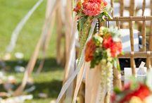 flori nunta - scaune biserica - the aisle