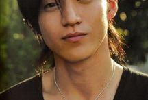 oguri shun san / This pinwall is about Shun Oguri a famous japanese actor, voice actor and movie dierector. I like him very much. Diese Pinnwand ist über Shun Oguri ein berühmter Japanischer Schauspieler, Syncronsprecher  und Film Regisseur. Ich mag ihn sehr gerne.