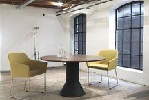 Arco | Van Oort Interieurs / Arco is een bedrijf dat al 110 jaar bestaat en het staat bekend om zijn tafels. Voor alle verschillende momenten of gelegenheden probeert Arco designtafels te maken. Of het hierbij nu gaat om een tafel voor in de eetkamer of een tafel voor een kantoorgelegenheid.