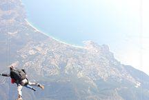 Saut en parachute en tandem à Saint-Tropez / Air Mauss Parachutisme vous fait visiter le beau ciel bleu de Saint-Tropez ! Découvrez une vue imprenable sur la ville et le littoral. Montez en avion puis laissez vous tomber tout en appréciant les magnifiques paysages qui s'offriront à vous. Vous aurez encore la tête dans les nuages à l'atterrissage !   https://air-mauss.com/fr/ou-sauter/9-saint-tropez.html