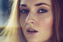 SOPHIE TURNER / Sophie Turner born february 21, 1996 in northampton, uk