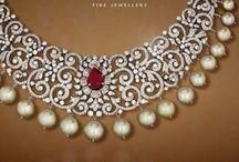 Diamond necklace Pinni