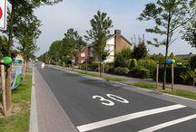 shared space / natuurlijk sturen / street design, shared space, natural traffic calming,