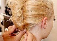 hairstyles / by Ixiomara Burnett