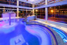 Vonkajšie a vnútorné bazény / Indoor and outdoor pools / Vychtnajte si relax v našich bazénoch a ich okolí. / Enjoy relax in our pools and their surroundings.