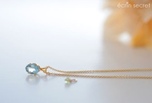 Bijouterie Écrin Secret / Handmade gemstone jewelry and accessory. Gold, sterling silver & gold filled. http://ecrinsecret.lumiplage.com