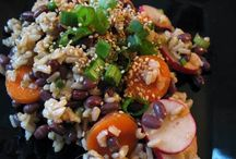 Aduki Bean and Rice Salad / The azuki bean (アズキ(小豆) azuki?, also spelled adzuki or aduki) is an annual vine, Vigna angularis, widely grown throughout East Asia and the Himalayas for its small (approximately 5 mm) bean. This recipe is not just healthy but is also very easy to make. Check out the ingredients and step by step directions at http://www.bestlifeblueprint.com/healthy-recipies/aduki-bean-and-rice-salad
