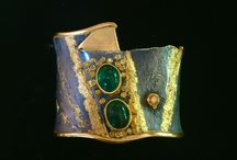 Imperial Cuff Collection / 22k, on S/S with precious stones, white and colored diamonds