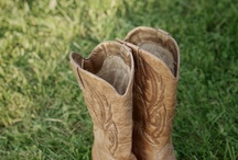gOiNg OuT wItH mY bOoTs On! / by Amelia Durand