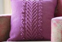 pletené a háčkované polštáře a deky