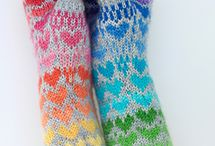 knit heart gloves