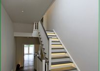Staircase with feature steps / The bottom step, or the bottom two steps, on many staircases is a feature step that can give a unique twist to your stairs. Common feature steps are bullnose or D-end steps.