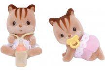 Sylvanian Families Bliźniaki Wiewiórek / Wyjątkowe zabawki dla dzieci marki Sylvanian Families