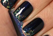 NAILS-GLITTER / by Ashley Swan
