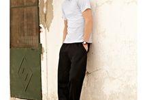 Sport muži / Jednobarevný textil pro muže na sportování. Některé kousky do velikosti 6XL.