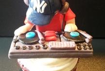 dj themed cakes/ cupcakes