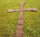 Otterbourne Primary School / ideas for living willow cross and willow poppies
