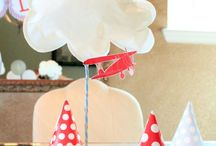 airplane party ideas / Ideas for an airplane birthday party or baby shower.  Vintage airplane party.  Up, up and away.  Airplane party décor.