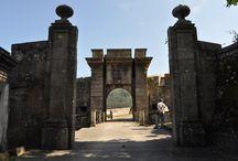 Edificios con historia / Fotos de castillos, monasterios y otras edificaciones antiguas.