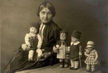 Кати Круз и ее куклы