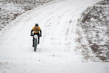 Cold-Weather Cycling / The right gear and skills for crushing when the temperatures drop