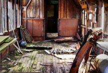 Abandos/Urbanex / by Rachel Tsoumbakos
