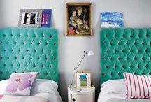 QUARTOS / Quarto, quarto de casal, quarto de solteiro, quarto colorido, como decorar quartos, como decorar quarto pequeno, quartos pequenos, inspirações para quartos, cabeceira DIY, cabeceira de cama de casal, cama baú, cama box, como decorar parede da cabeceira, como decorar quarto sem gastar