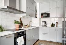 Kitchens set bu anna