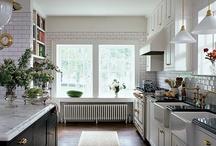 Kitchens / by Kathleen Flores Cederlöf