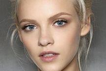 блондинка с желтыми глазами